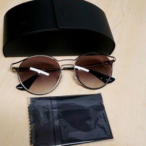 NWOT Prada Sunglasses unisex